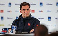 Federer perde para fã grego de 20 anos em dia de surpresas na Austrália