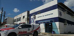 Suspeito de manter mulher em cárcere privado é preso com drogas em Maceió