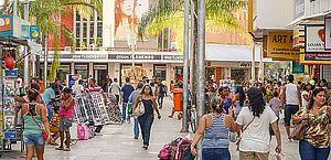 Consumo das famílias cai 0,7% em julho após aumento de desemprego em Maceió