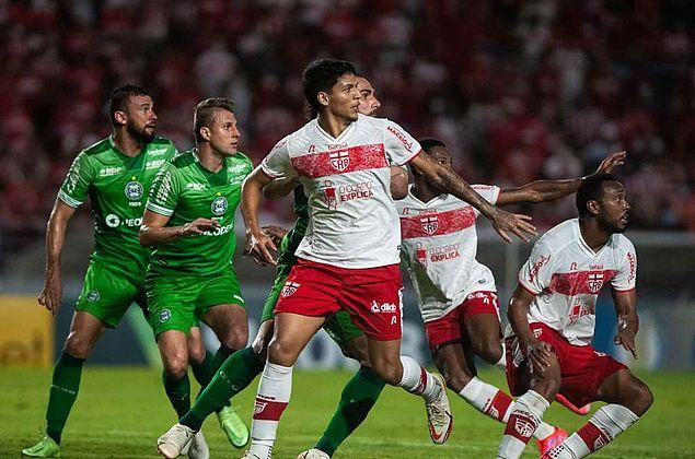 CRB e Coritiba empatam em jogo de confronto direto no Rei Pelé