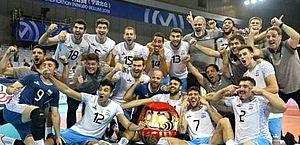 Argentina vence China no vôlei, comemora com olhos puxados e é repreendida