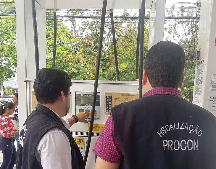Órgão fiscalizador inspeciona 30 estabelecimentos na capital