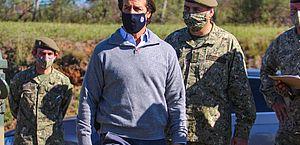 Presidente uruguaio entra em quarentena após contato com diretora infectada