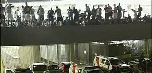 Arquibancada do Rei Pelé volta a balançar durante comemoração de torcida do CSA