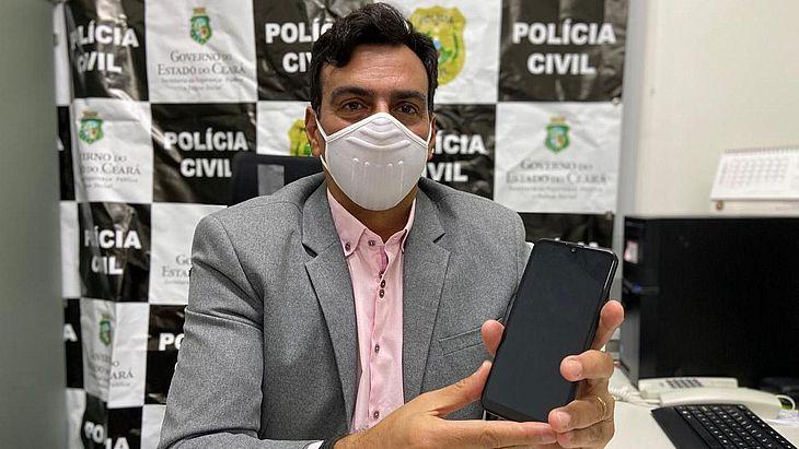 O caso foi investigado pelo 5° Distrito Policial. O adolescente utilizou um celular para invadir a transmissão e compartilhar conteúdo pornográfico e dados