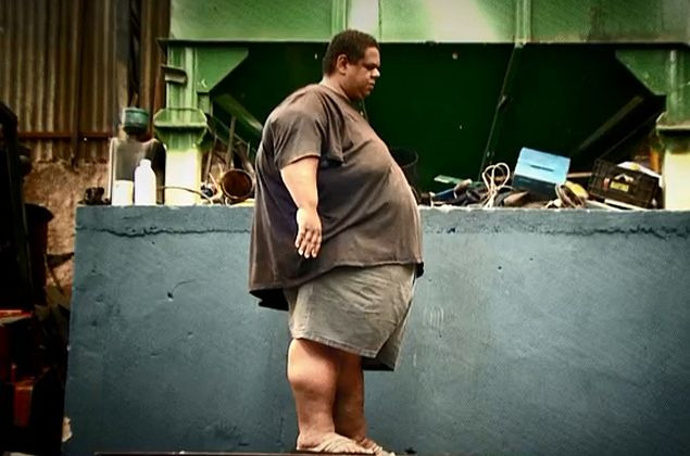 Câmera Record acompanha o drama da obesidade de um homem de 250 kg