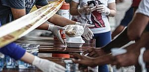 Cerca de 46 mil refeições foram distribuídas à população de rua no Recife