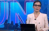 Internautas suspeitam que Renata Vasconcellos foi 'traída' por roupa no JN