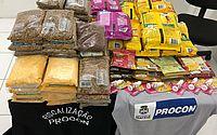 Fiscais do Procon Maceió apreendem produtos vencidos em pet shops da capital