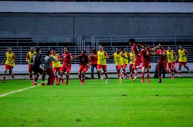 Na emoção de César Pita: ouça o gol que carimbou o 31º título alagoano do CRB