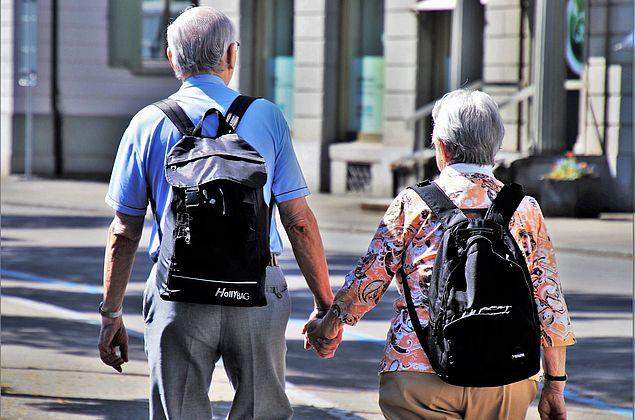 Envelhecimento: questão de saúde pública, consumo e necessidades sociais