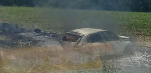 Vereador fica ferido após carro ser atingido por outro e pegar fogo