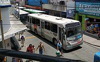 Protesto faz passageiros descerem de ônibus no Centro de Maceió; grupo é contra acordo de rodoviários