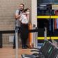 Vídeos: homem faz comissária de bordo refém no Aeroporto de Guarulhos