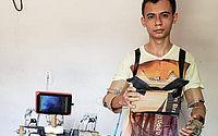Jovem do Ceará constrói robô caseiro com material reciclável e sucata