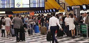Carnaval de SP terá 20% mais foliões de fora do estado vindos de avião