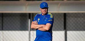Após greve de três dias, jogadores voltam aos treinos no Cruzeiro