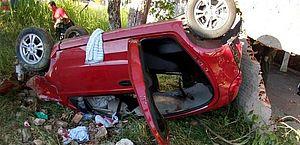 Capotamento de carro deixa um morto e quatro feridos na AL-101 Norte