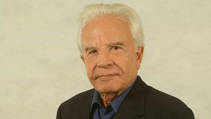 Cid Moreira tem 93 anos crise na família veio à tona há alguns dias