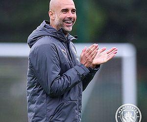 Pep Guardiola prorroga contrato com Manchester City até 2023