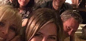 Jennifer Aniston e atores de Friends