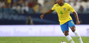Lateral sofre lesão muscular e desfalca o Brasil contra a Coreia