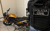 Moto era utilizada pela dupla para cometer os assaltos, segundo a polícia