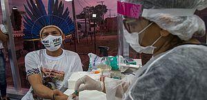 Sancionada com vetos lei que prevê ações para prevenir Covid-19 entre indígenas e quilombolas