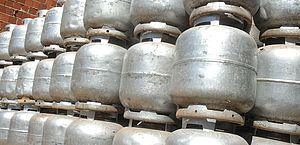 Governo zera PIS e Cofins do diesel e do gás de cozinha