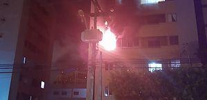 Apartamento é tomado por fogo e fica destruído em Mangabeiras; veja vídeos