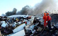 Corpo de Bombeiros apaga incêndio em depósito de reciclagem no interior do CE