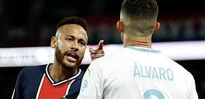 Zagueiro espanhol não é punido após Neymar o acusar de racismo