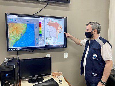 Meteorologista da Sala de Alerta da Semarh, Vinícius Pinho.