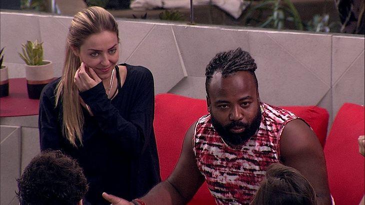 Paula disse ter medo de Rodrigo por causa de declarações dele sobre a religião