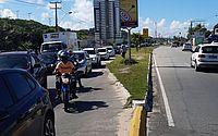 Após percorrer orla, protesto de entregadores de aplicativos bloqueia pista em Cruz das Almas