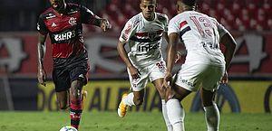 Flamengo visita São Paulo a uma vitória do título; Inter seca e precisa ganhar