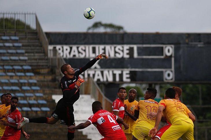 Mardden em ação contra o Brasiliense