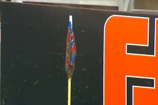 Abelhas se instalam em bandeirinha e atrasam início de jogo na Série A