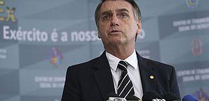 Bolsonaro acusa Macron de colonialismo após sugestão de tratar de Amazônia no G7
