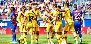 Barcelona bate Eibar com facilidade e lidera Espanhol
