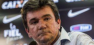 Presidente do Corinthians não reconhecia ninguém no hospital, diz médico