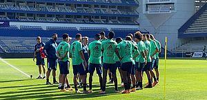 Jogo do Flamengo pode ser suspenso; prefeitura faz inspeções após surto de covid