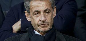 Sarkozy diz estar disposto a processar França para provar inocência