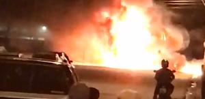 Vídeo: colisão entre carreta e caçamba termina em incêndio no Clima Bom