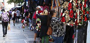 Consumidor está cauteloso na hora de ir ao comércio, diz pesquisa