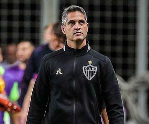 Próximo adversário do CSA, Atlético-MG demite técnico após sofrer goleada