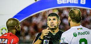 Marcelo de Lima Henrique vai apitar Londrina e CRB. Árbitro apitou CRB x Juventude neste segundo turno da Série B