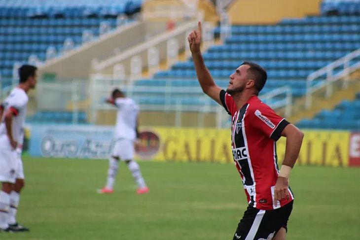Edson Cariús foi artilheiro nas duas últimas temporadas pelo Ferroviário