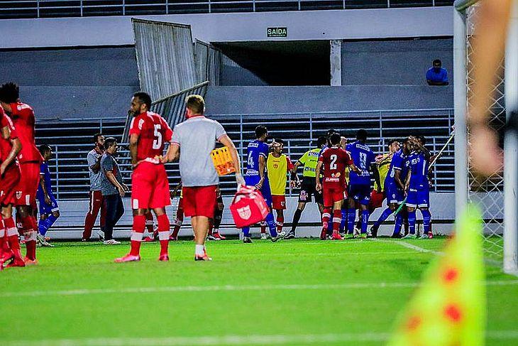 CSA disputou a final do Alagoano e depois detectou 9 jogadores infectados