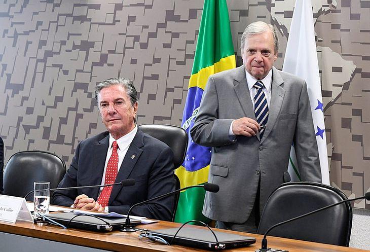 Fernando Collor e Tasso Jereissati figuram na lista